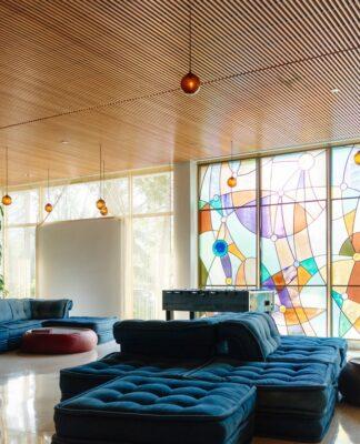 Styl art Deco łączy w sobie to co najlepsze w początku ubiegłego wieku - kolory, prostotę i szyk.