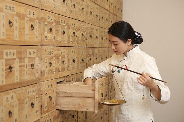 W tradycyjnej medycynie chińskiej stosuje się tysiące ziół i innych elementów pochodzących z natury.